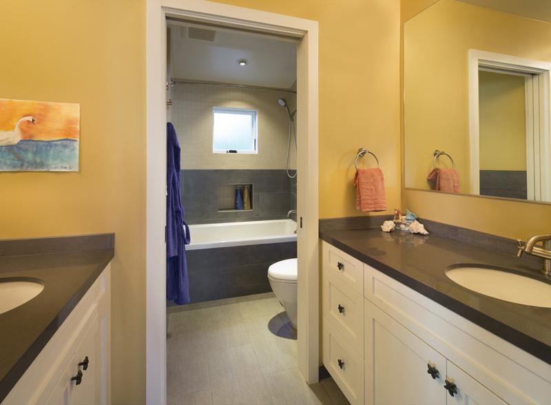 11 Jack and Jill Bathroom3