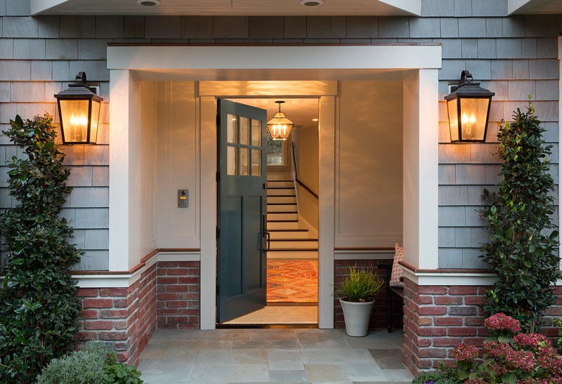 Cedar-Shingle-Brick-Entryway