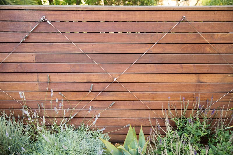 ipe-wood-garden-fence-with-cable-trellis