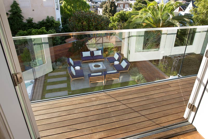 modern-glass-balcony-steel-railings